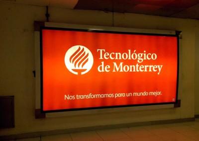 Tecnológico de Monterrey comunica su nueva imagen en el AICM y AIT