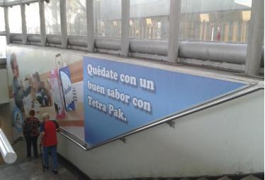 Tetra-Pak envuelve los Grandes Formatos publicitarios de Metro DF y Monterrey
