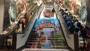 """""""Hotel Transylvania 2"""" invita a los usuarios del metro DF a hospedarse"""