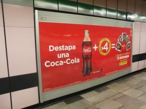 Coca-Cola y las estampas de PANINI contagian la fiebre de Brasil 2014 en el Metro DF