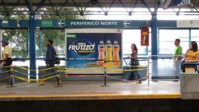 Frutzzo de Jumex Refrescando el verano en el Metro de Guadalajara