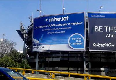 Abordan en Interjet pasajeros con 50 kg de equipaje
