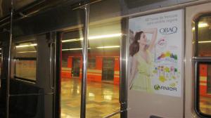 Desodorantes Obao de Garnier les dice como estar frescos y protegidos a los usuarios del Metro DF