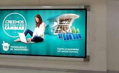 ITESM promociona su alto nivel en maestrías con los usuarios del aeropuerto