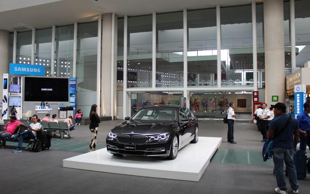 El lujo y tecnología de BMW presente en el AICM