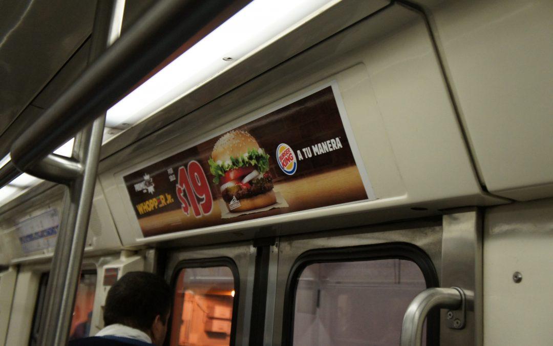 Burger King un gran sabor se anuncia en vagones del Metro CDMX