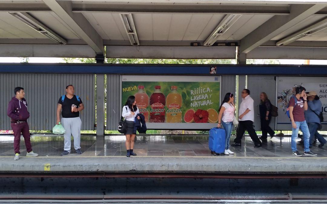 Bonafont Juizzy rica, ligera y natural en el Metro CDMX